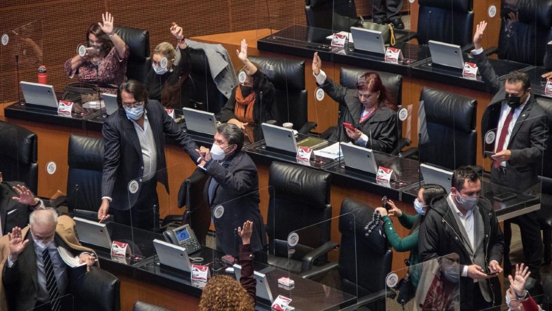 Senado aprueba la 'Ley Nieto', que permite a Hacienda bloquear cuentas sin orden judicial