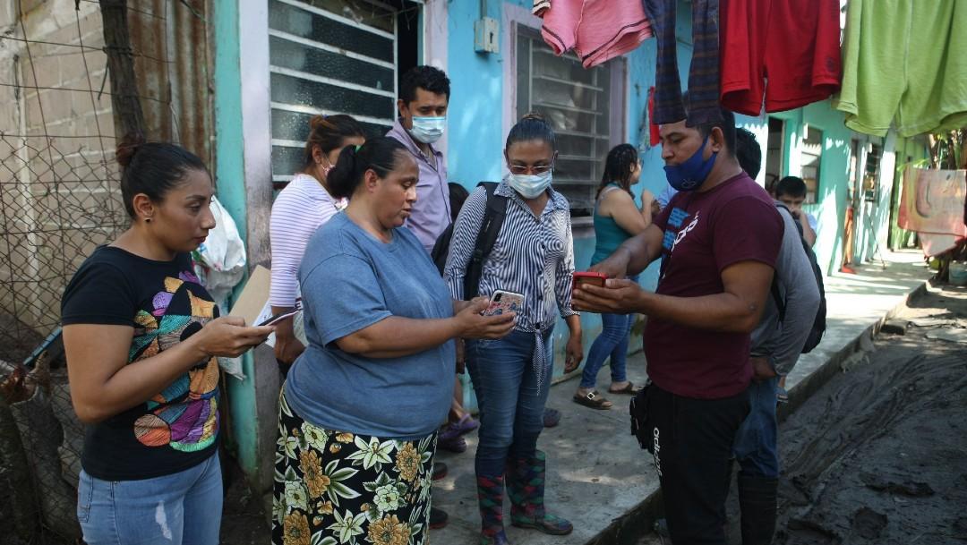 Afectados por inundaciones en Tabasco protestan por cierre de censo, dicen no ser tomados en cuenta