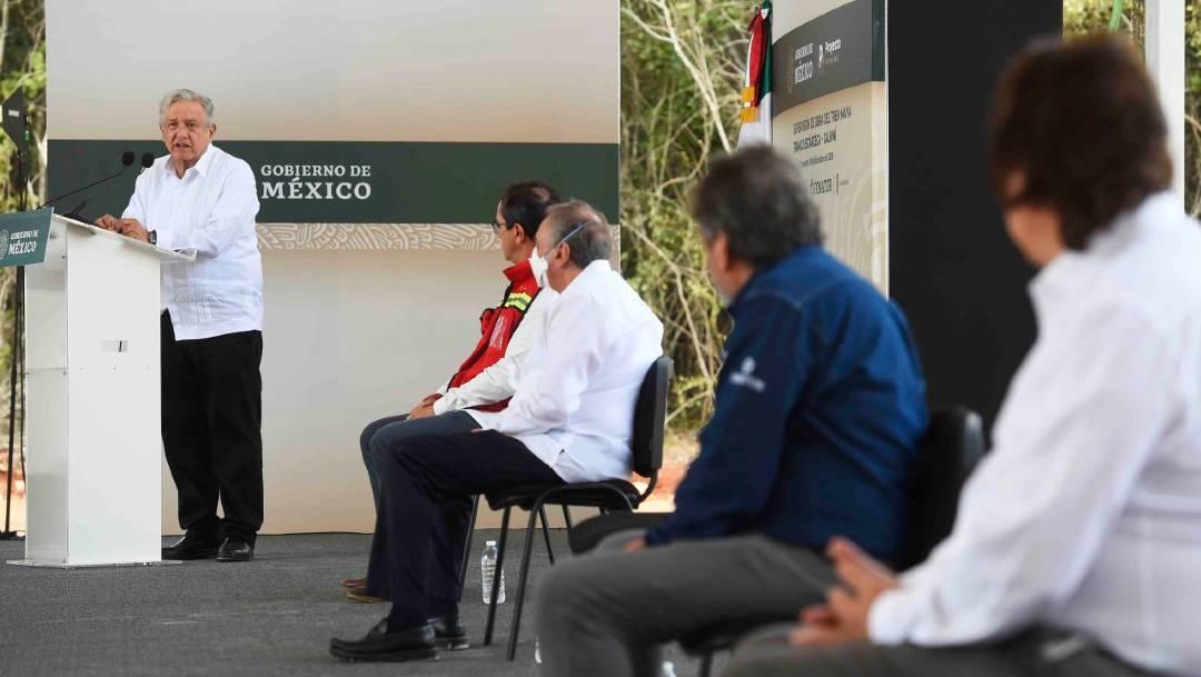 El presidente Andrés Manuel López Obrador anuncio que el Ejército administrará tres tramos del Tren Maya