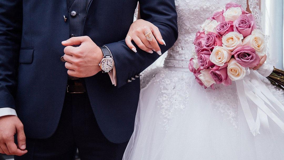 """La policía municipal de Naucalpan """"invitó"""" a los organizadores a suspender una boda de 300 invitados a pesar de pandemia de coronavirus"""