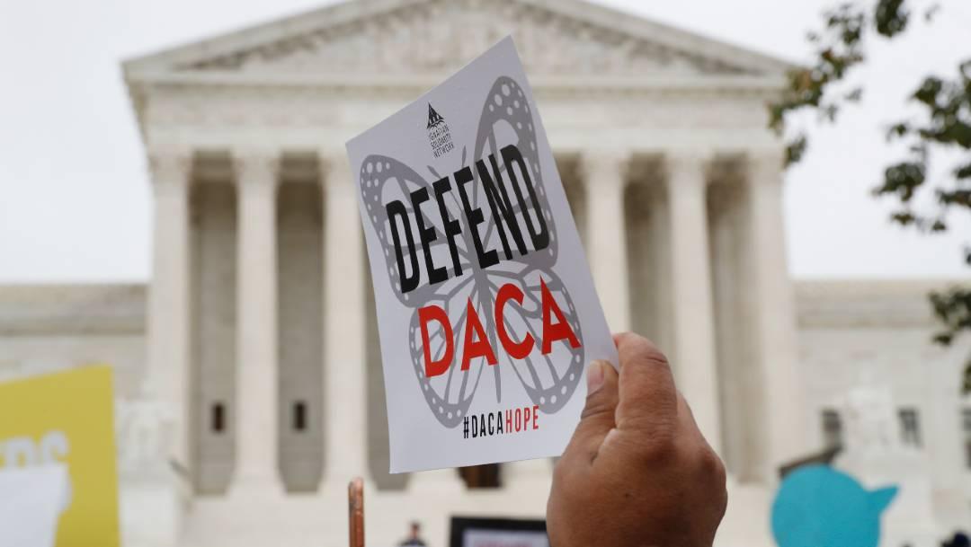 Un juez federal ordenó al Gobierno de Donald Trump restaurar el programa DACA