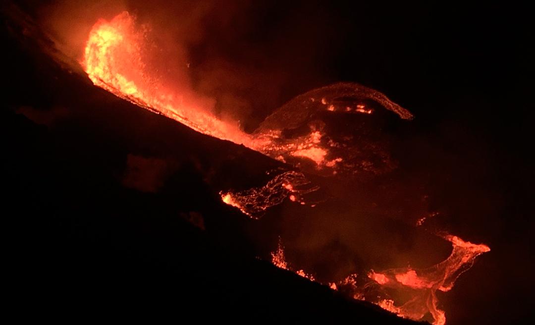 El volcán Kilauea tuvo una erupción este 2020 y quedó registrada en fotos y videos