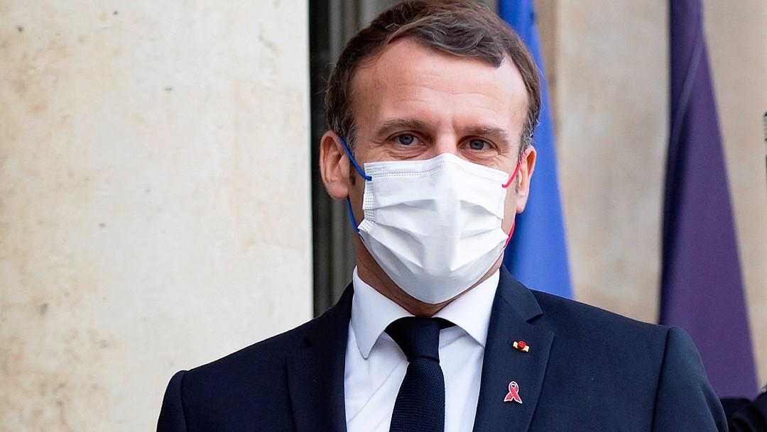 Macron da positivo por coronavirus y se mantendrá aislado durante siete días