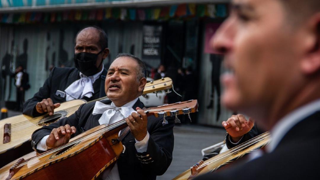 Mariachis de Garibaldi esperan como cada día clientes para una serenata. (Foto: Cuartoscuro)