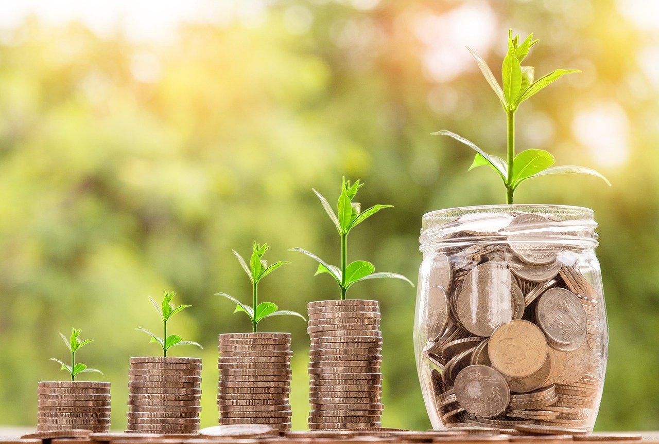 Ahorrar o invertir dinero, qué es mejor y su diferencia