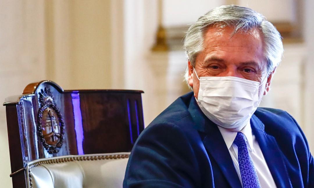 Gobierno argentino busca postergar elecciones tras aumento de contagios por COVID-19