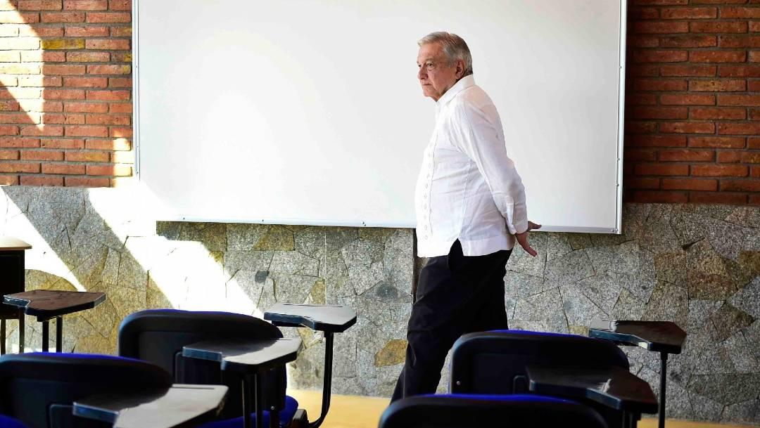 El presidente López Obrador refrendó su compromiso con la educación pública