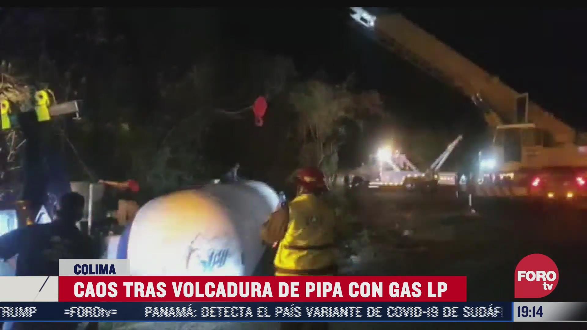 caos tras volcadura de pipa con gas lp en colima