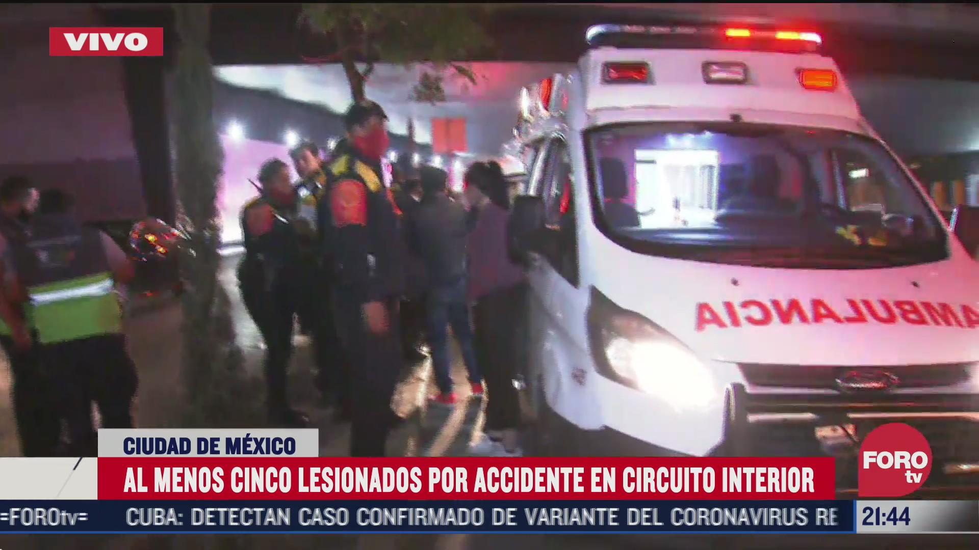 cinco lesionados tras choque vehicular en circuito interior