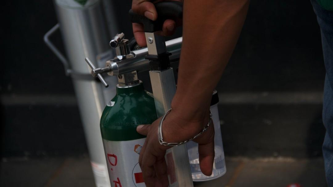 Defraudadores ofrecen en redes sociales tanques de oxígeno y les venden helio