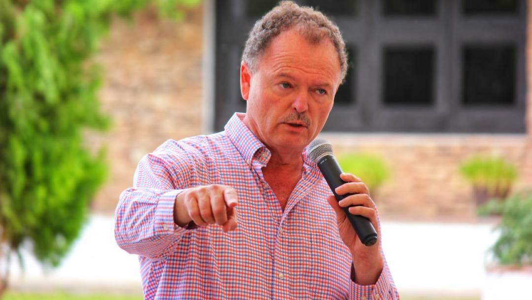 Ernesto Gándara se registra como precandidato de la alianza Va por Sonora