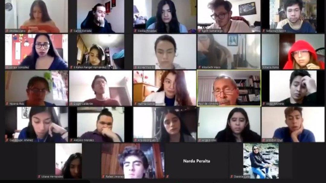 Video muestra a un maestro de la UNAM siendo poco empático con alumna contagiada de COVID-19