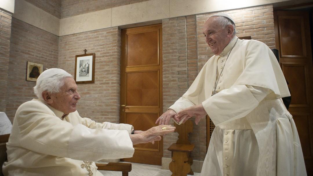 Papa Francisco y Benedicto XVI reciben vacuna contra COVID – Noticieros  Televisa