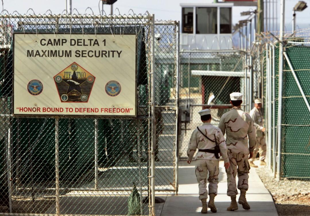 AI-pide-a-Biden-cerrar-el-penal-de-Guantánamo