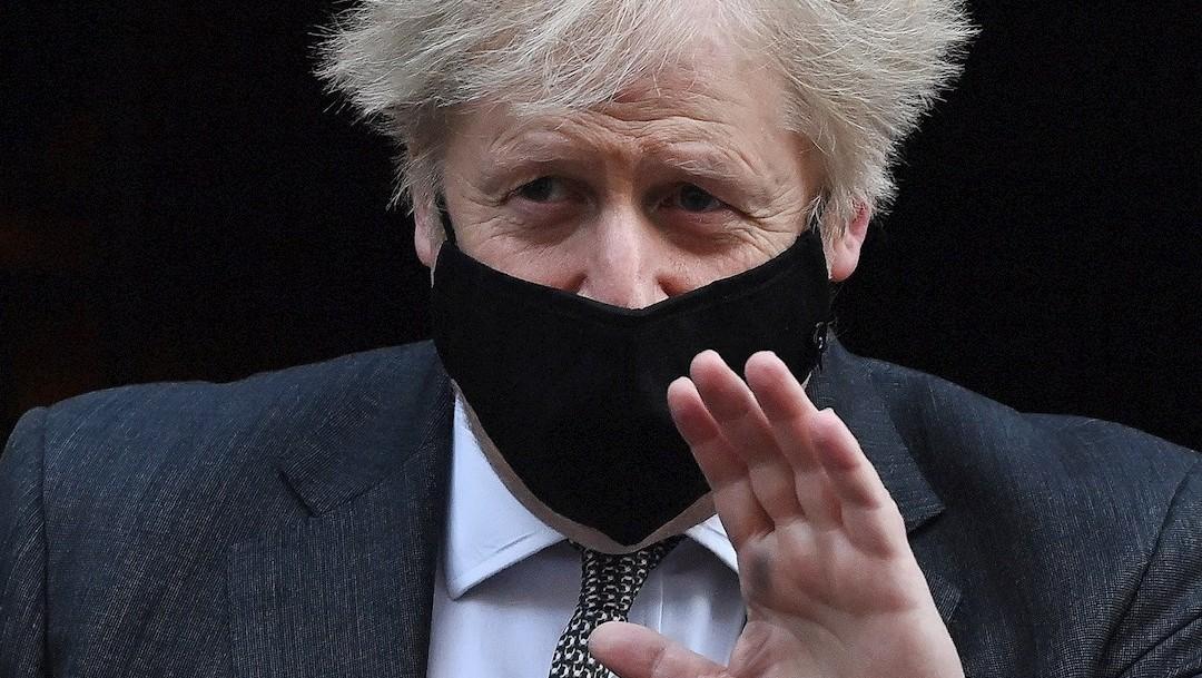 Según sondeo; Boris Johnson podría perder mayoría absoluta