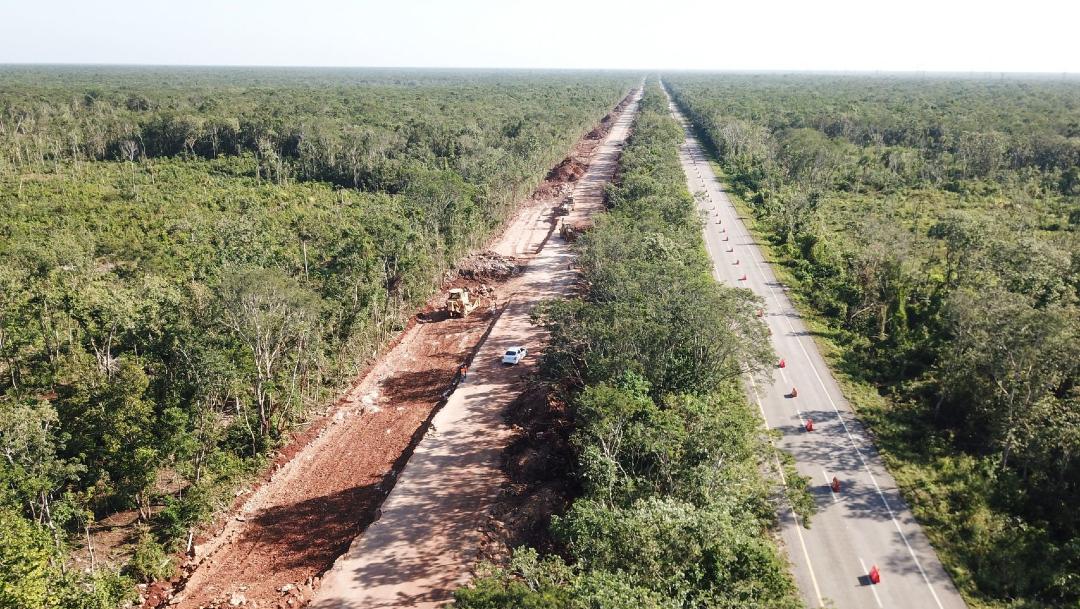 Fotografía que muestra las obras de construcción del Tren Maya