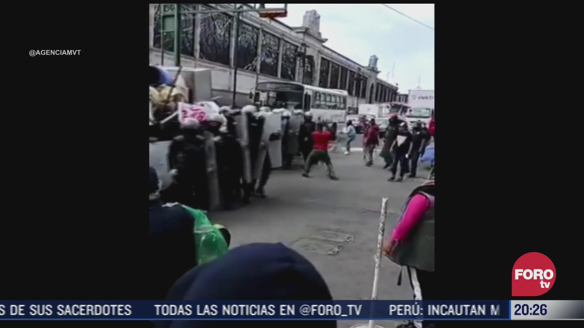 Pelea entre comerciantes y granaderos en Toluca en el mercado 16 de septiembre