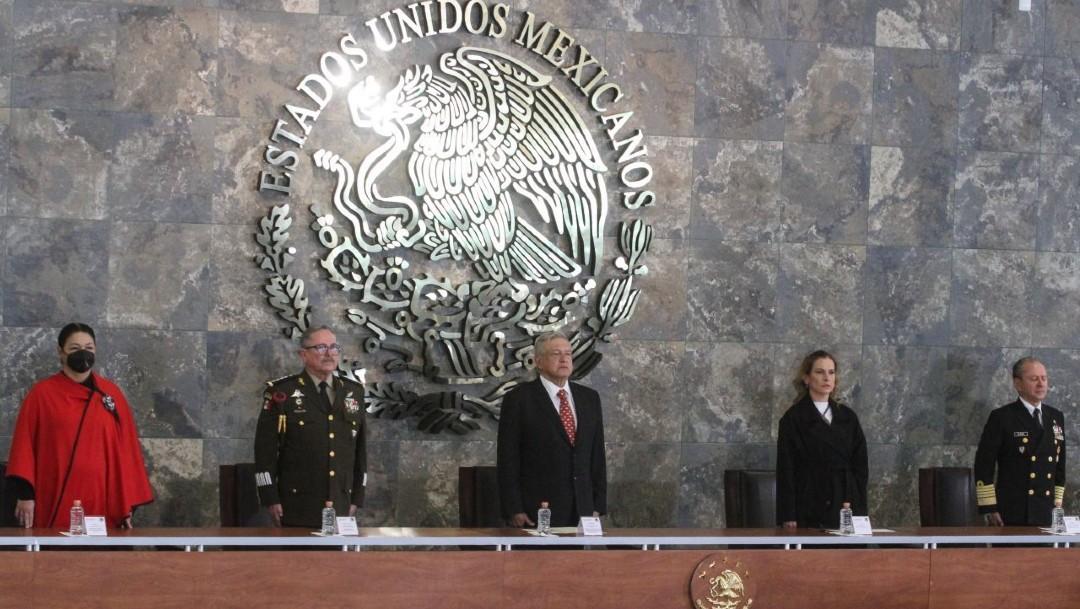 AMLO inaugura instalaciones militares en Santa Lucía