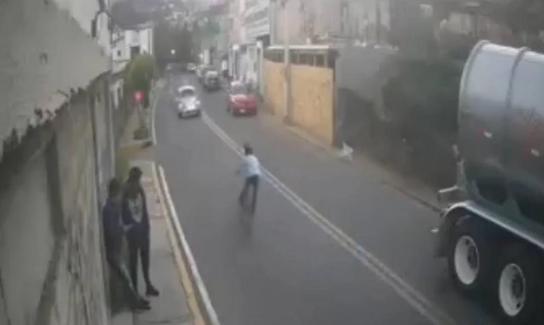 Conductor atropelló a niño en bicicleta en Cuajimalpa, CDMX