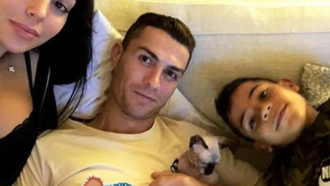 Gato de Cristiano Ronaldo viaja en jet privado por accidente