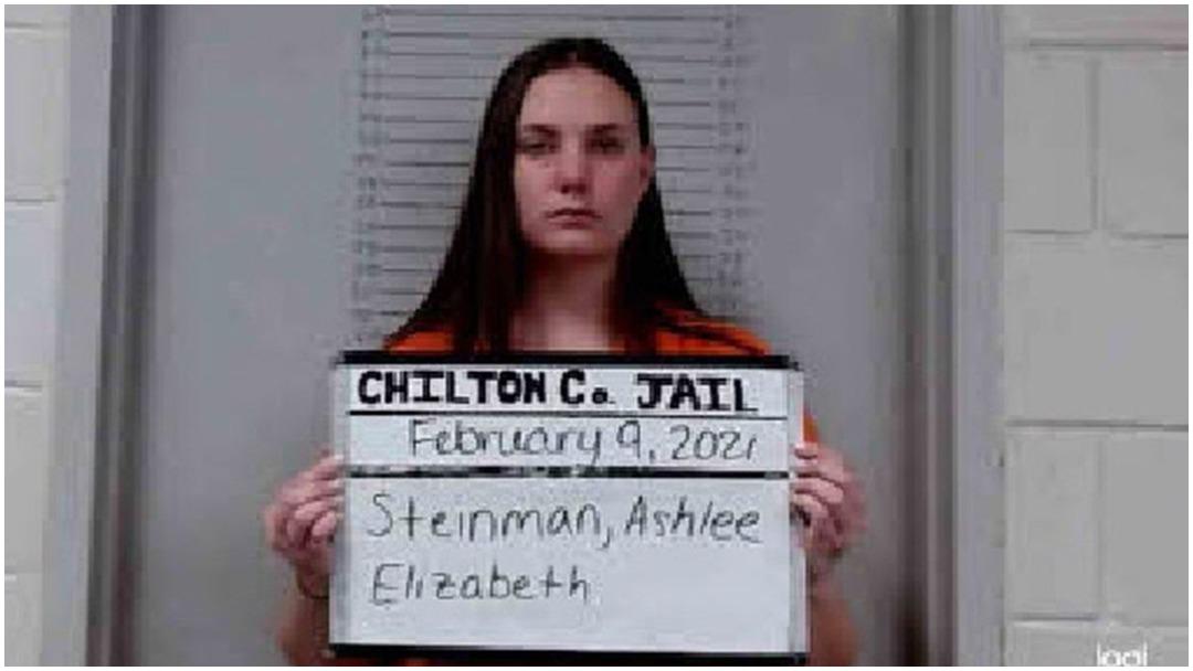 Maestra es detenida por tener sexo con alumno de 18 años en Alabama