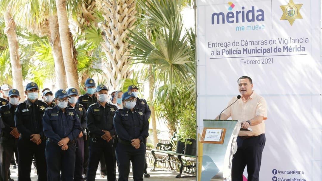 Policía de Mérida usará cámaras en uniforme para grabar sus acciones
