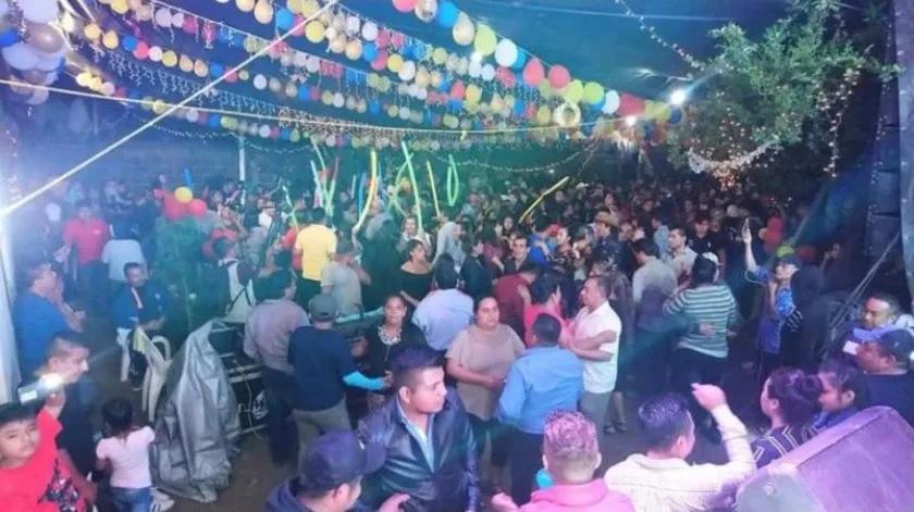 Realizan baile en pueblo de Santiago Choápam, Oaxaca, y casi la mitad se enferma
