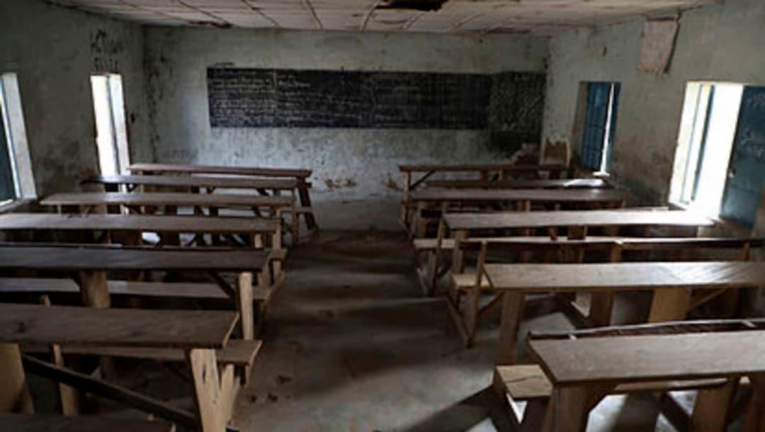 Secuestro masivo en escuela de Nigeria, 300 alumnas fueron raptadas