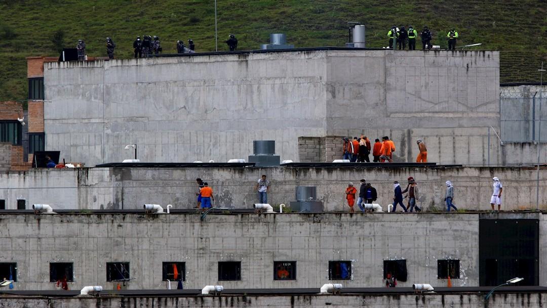 Suman 62 muertos por motines en prisiones de Ecuador