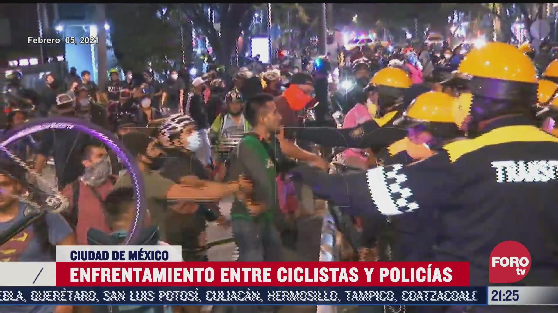 trece policias suspendidos tras enfrentamiento con ciclistas