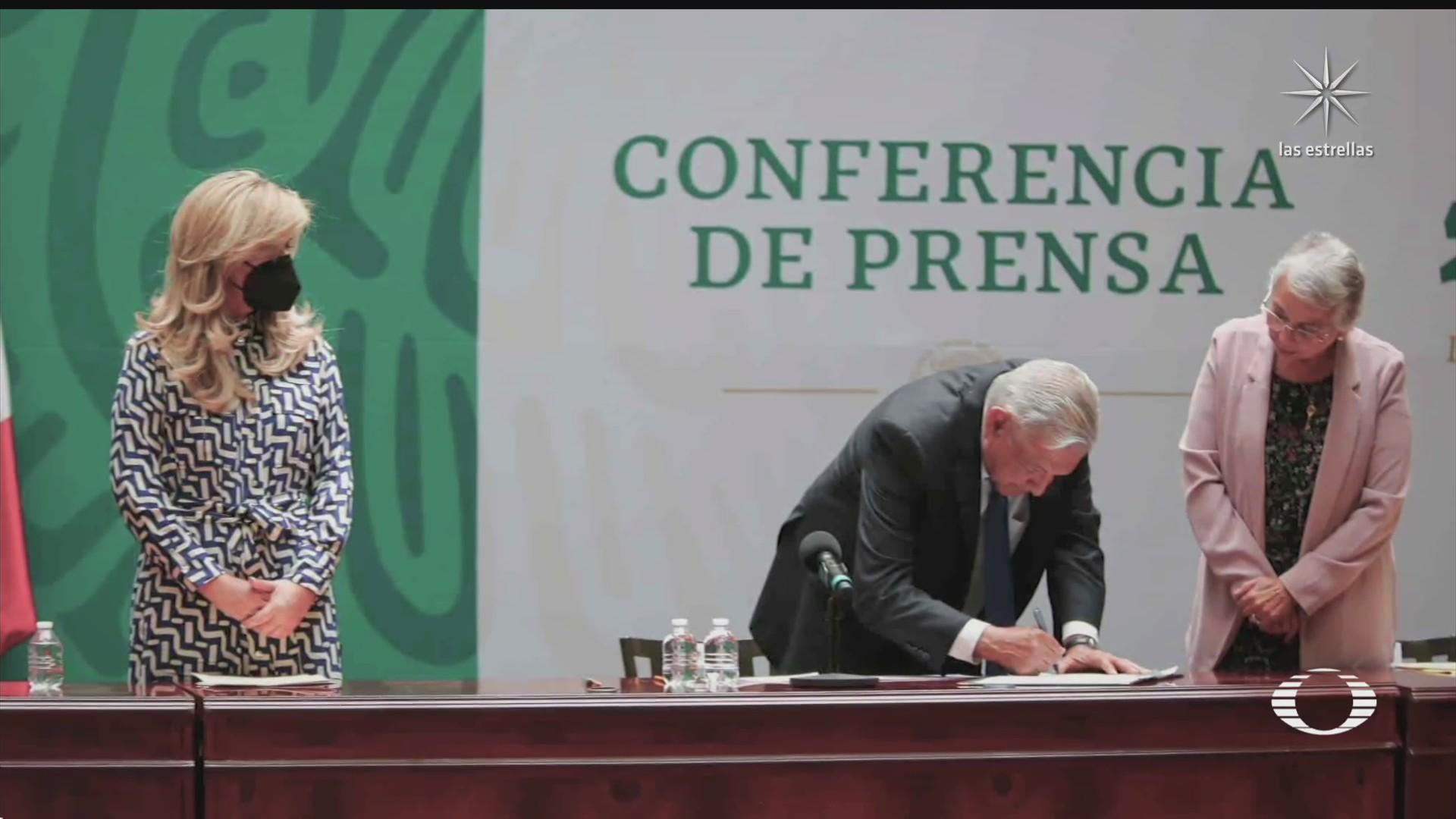 amlo firma acuerdo para no interferir en las proximas elecciones