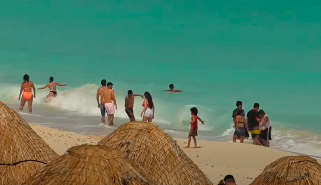 Bailes, playas y marchas en México cerca de llegar a los 200 mil fallecidos por covid