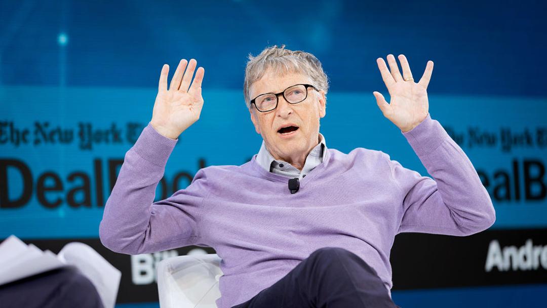 Bill Gates revela que prefiere usar Android en lugar de iPhone