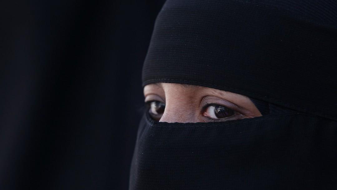 Una mujer utiliza una burka (Getty Images)