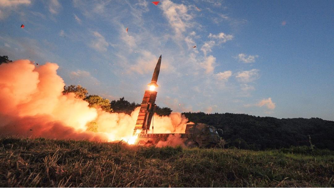 """Corea del Norte afirma lanzamiento de nuevo """"proyectil táctico guiado"""""""