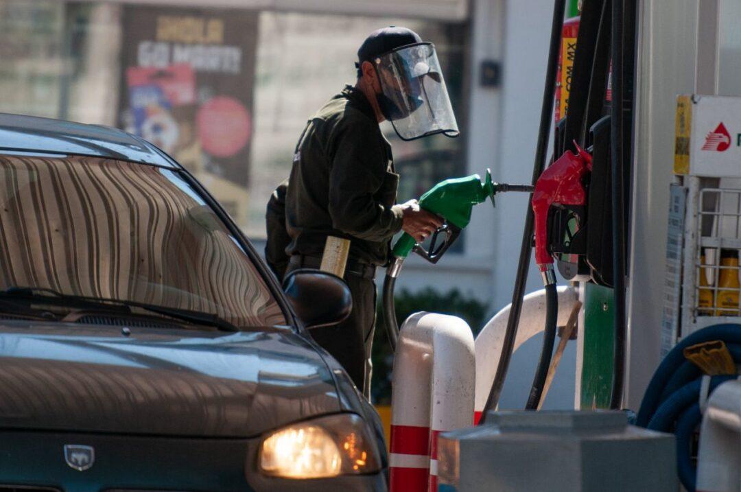 Precio de la gasolina alcanza máximo histórico en México