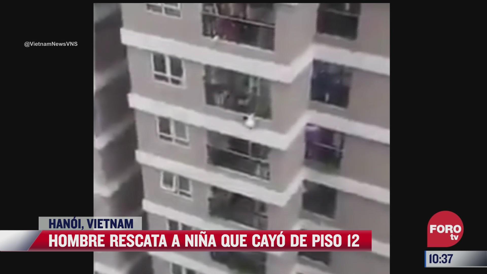 hombre rescata a nina que cayo de piso 12 en vietnam