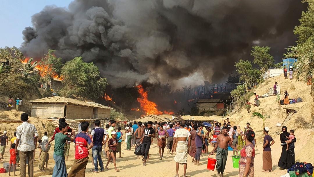 Incendio en campamento de refugiados rohingya deja varios muertos