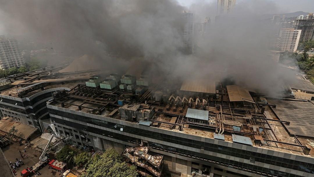 Incendio en hospital COVID de la India deja al menos 10 muertos