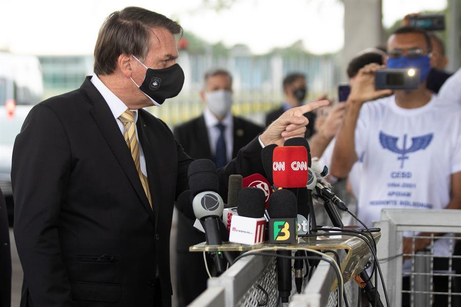 Dejen-de-lloriquear-dice-Bolsonaro-por-muertes-COVID-19