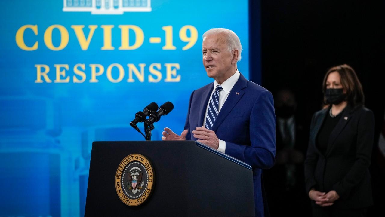 Joe Biden promete acceso a vacunas anticovid para el 90% de los adultos mayores de EEUU