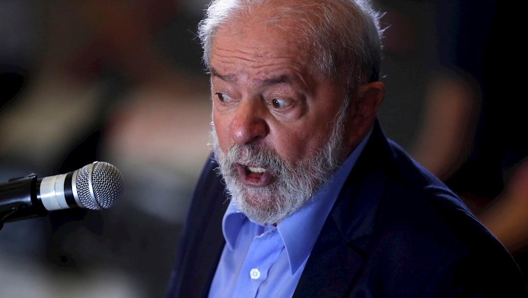 El expresidente brasileño Luiz Inácio Lula da Silva habla durante una rueda de prensa en Sao Bernardo do Campo, Brasil