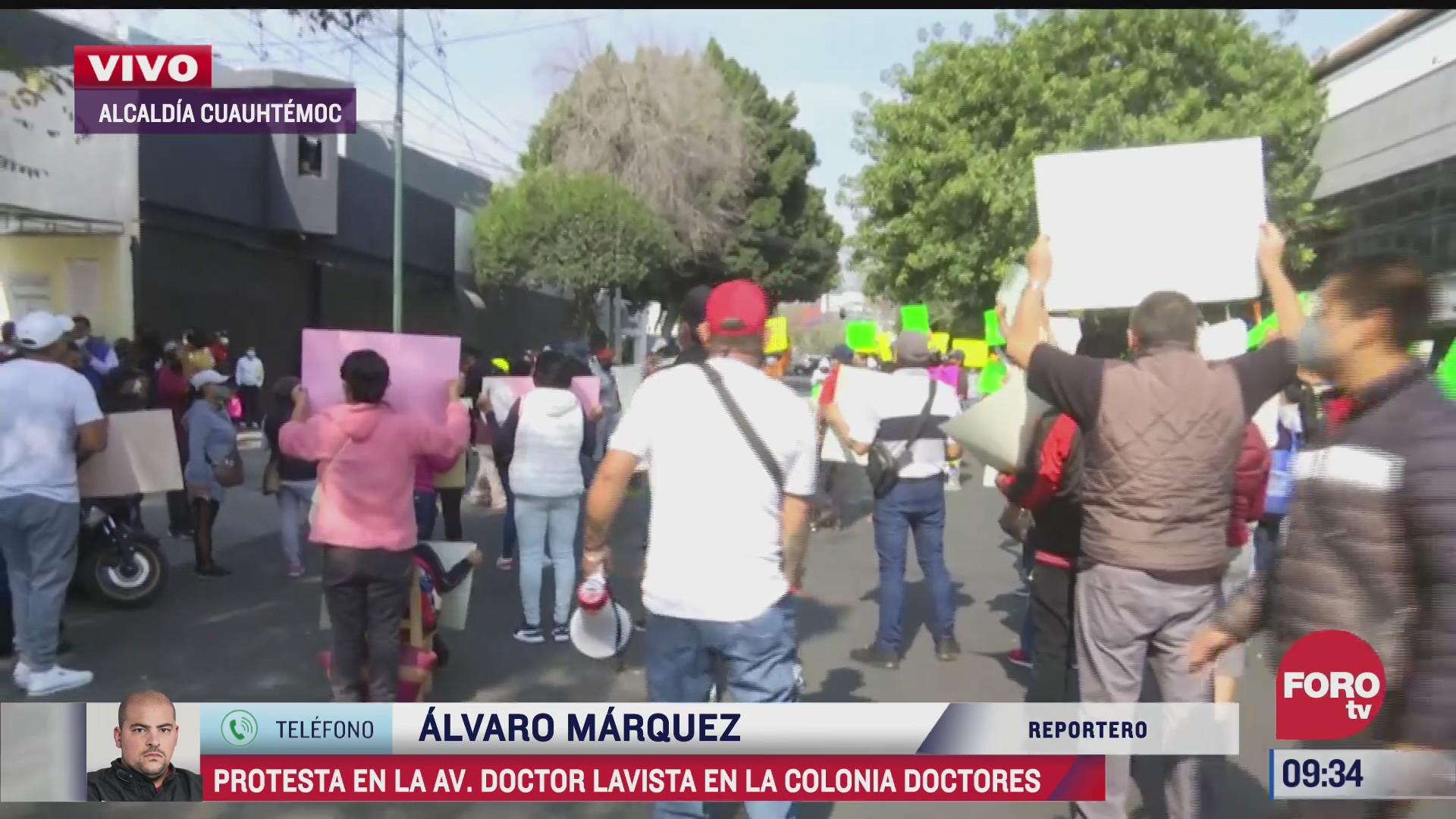 manifestantes protestan en la alcaldia cuauhtemoc exigen liberacion de lideresa de vendedores ambulantes