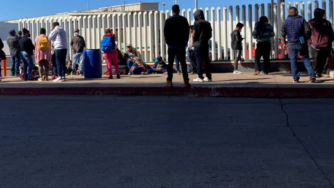 Migrantes en Tijuana, Baja California, esperando entrar a EEUU