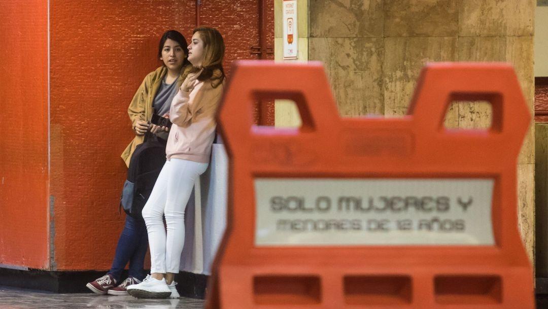 Mujeres denuncian acoso sexual a pesar del uso de vagones exclusivos en Metro de CDMX (Cuartoscuro)