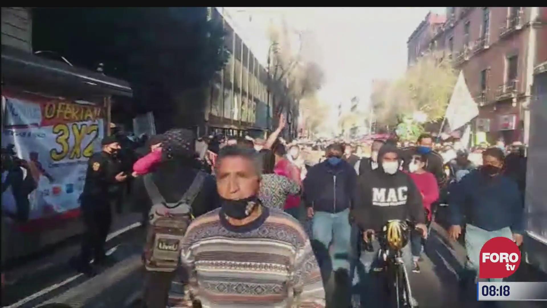 multitudinaria marcha se dirige al zocalo de la cdmx