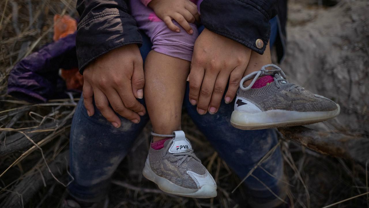 Niños migrantes huyen del crimen en su travesía de México a Estados Unidos