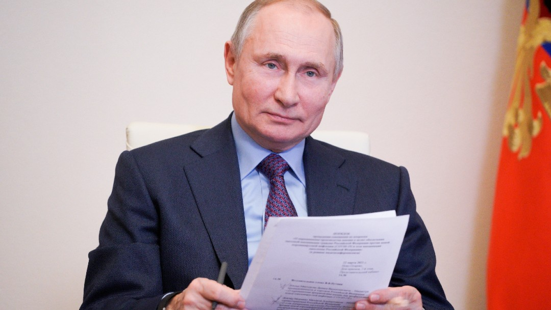 Nombre de vacuna que recibirá Vladimir Putin se mantendrá en secreto, dice Kremlin