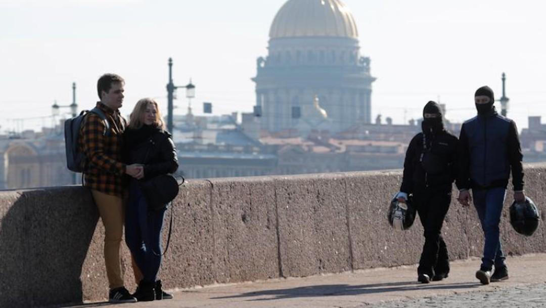 Restricciones por pandemia de COVID-19 en Rusia podrían levantarse al final del verano (Reuters)