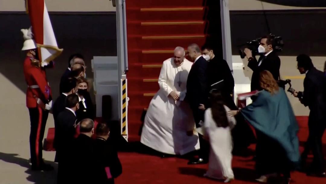 Papa Francisco aterriza en Irak, la primera visita de un pontífice al país. FOTO Reuters